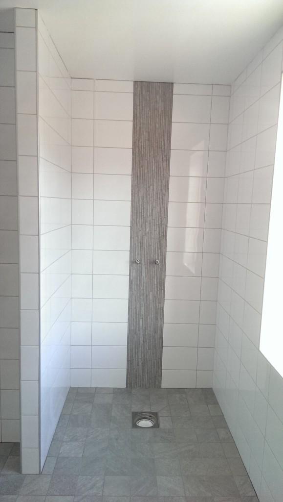 Stora badrummet, dusch